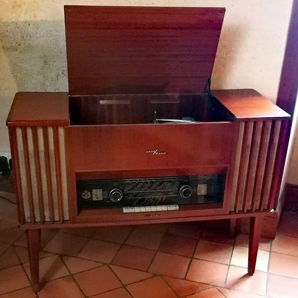 meuble radio scandinave
