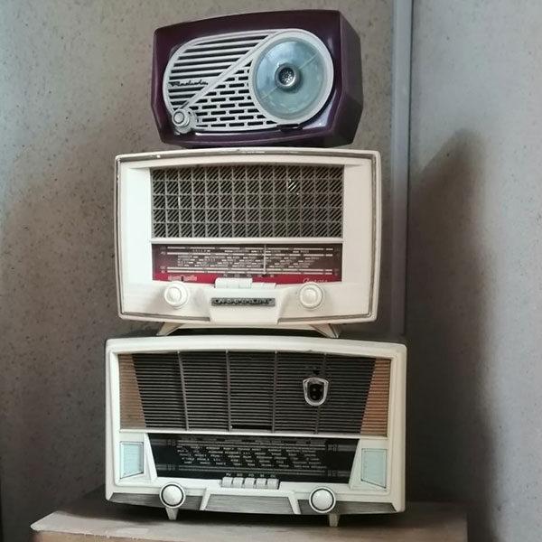 Radio grand modèle